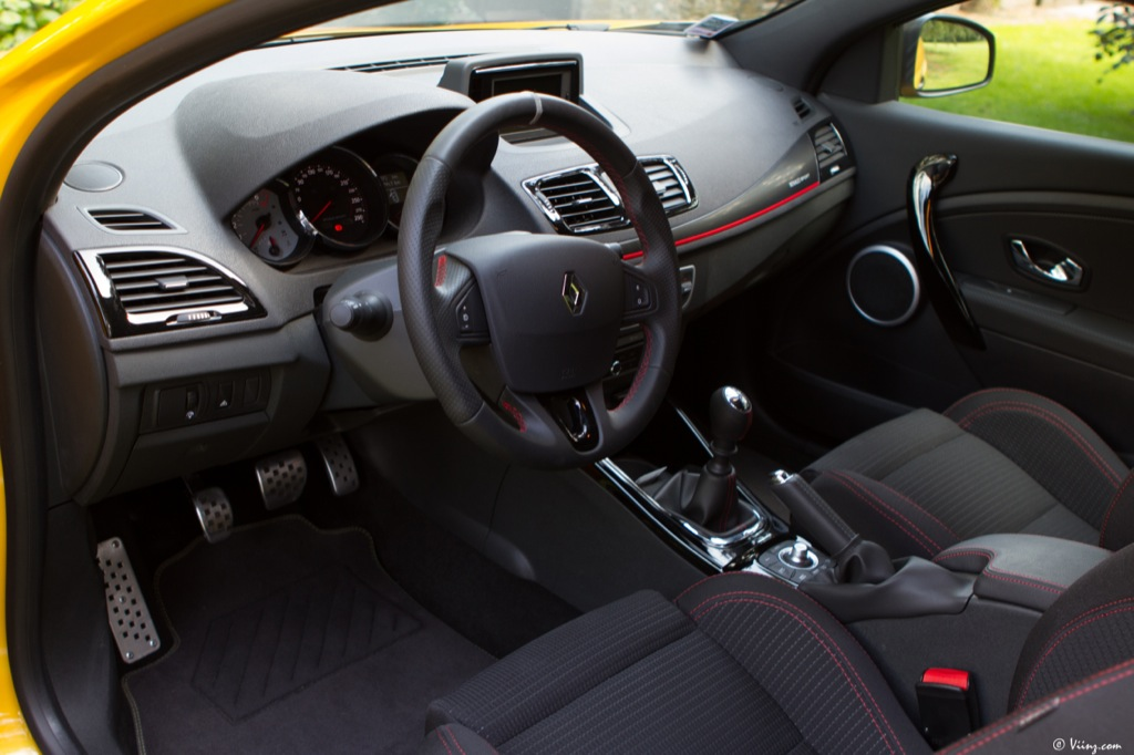 essai renault megane r s 2012 le blog de viinz. Black Bedroom Furniture Sets. Home Design Ideas