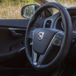 test_volvo_v40_d3_cross_country_34