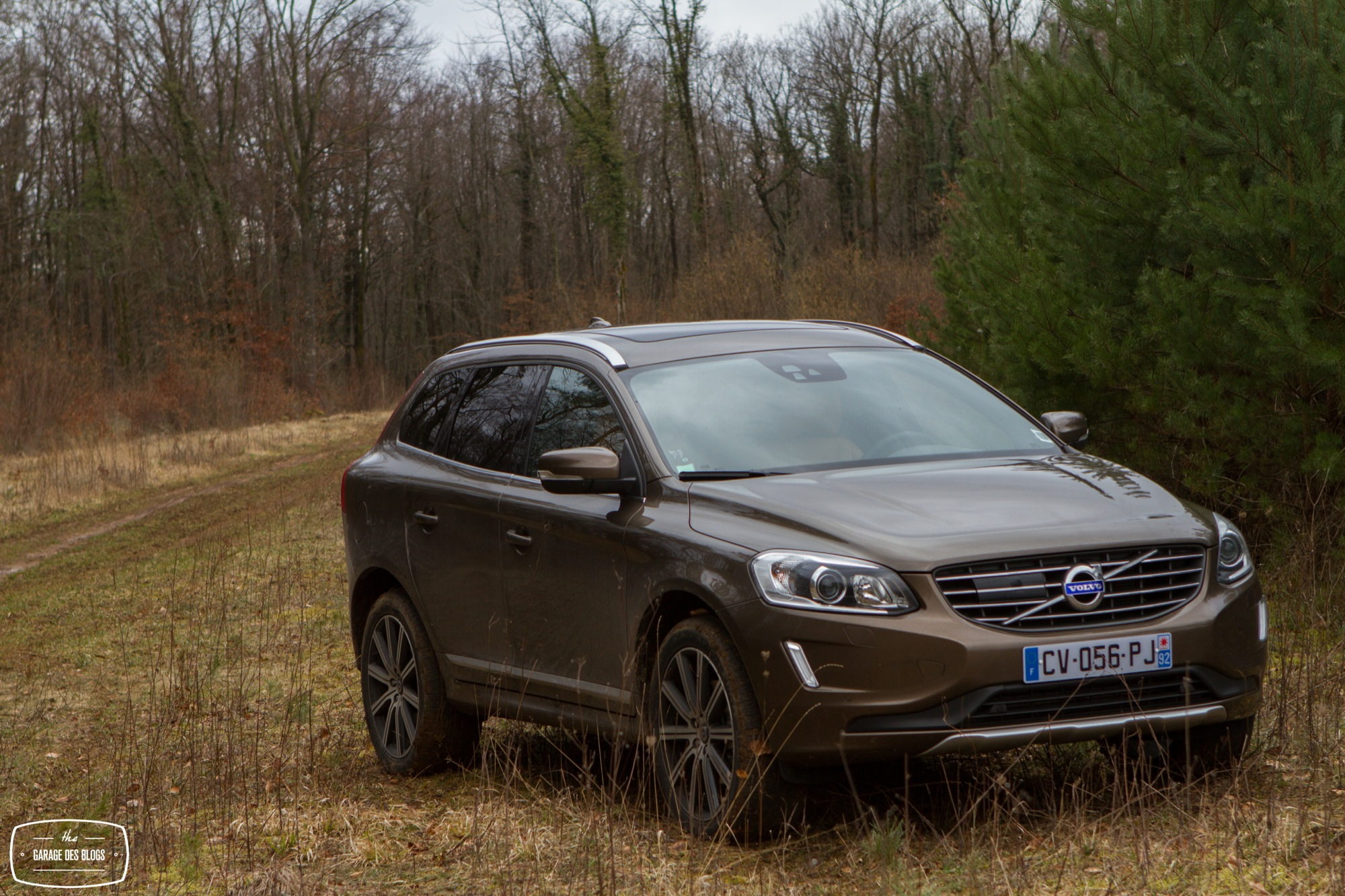 essai volvo xc60 d4 awd 1 le blog de viinz. Black Bedroom Furniture Sets. Home Design Ideas
