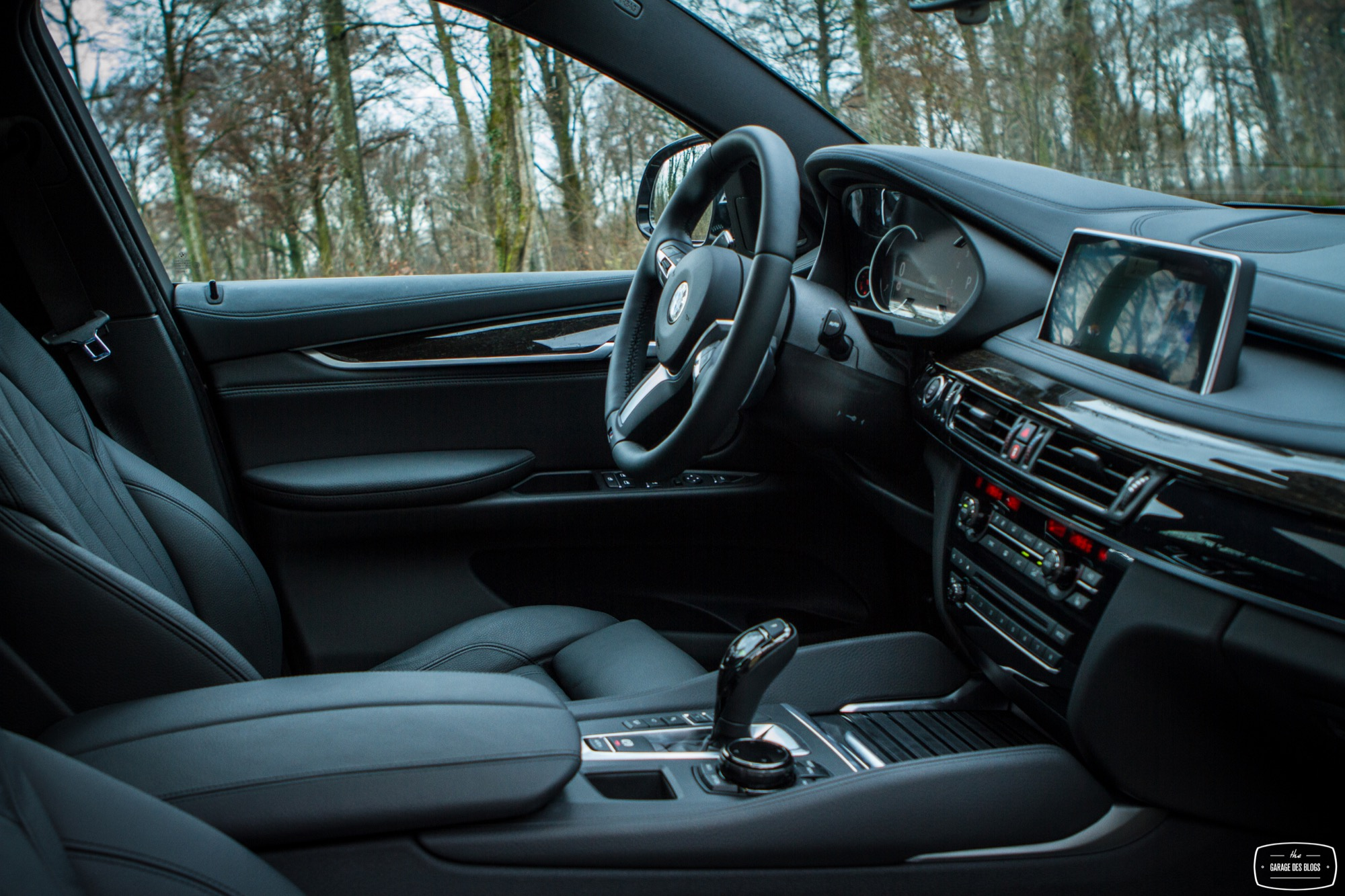 bmw x6 50i xdrive interieur 11 le blog de viinz. Black Bedroom Furniture Sets. Home Design Ideas
