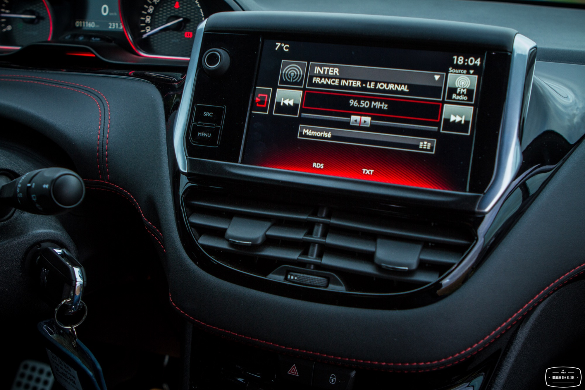 Essai peugeot 208 gti 30th interieur 10 le blog de viinz for Interieur peugeot 208