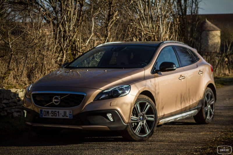 essai-volvo-v40-cross-country-t5-awd-exterieur-23