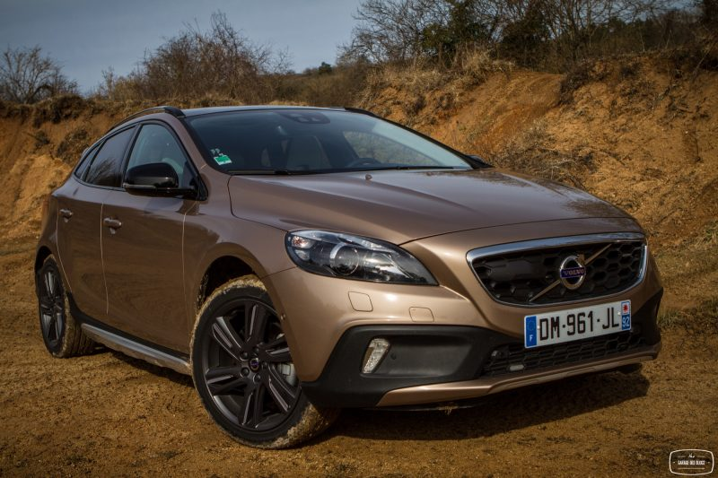 essai-volvo-v40-cross-country-t5-awd-exterieur-24
