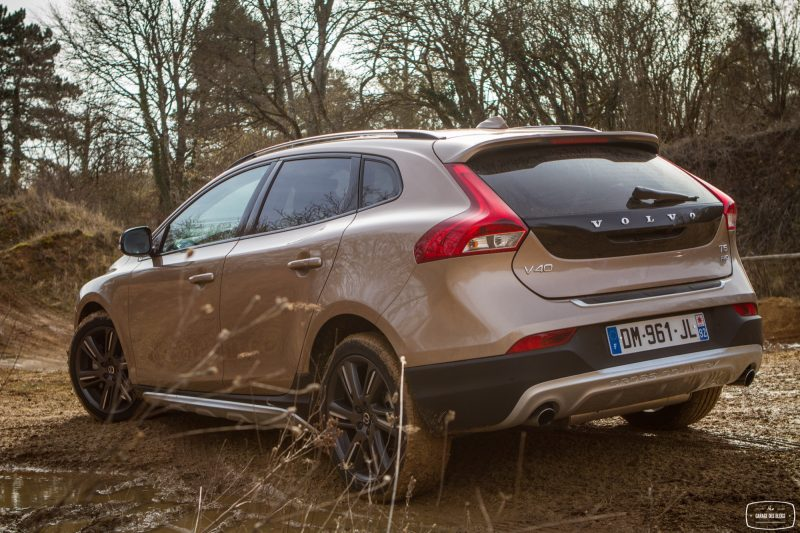 essai-volvo-v40-cross-country-t5-awd-exterieur-30