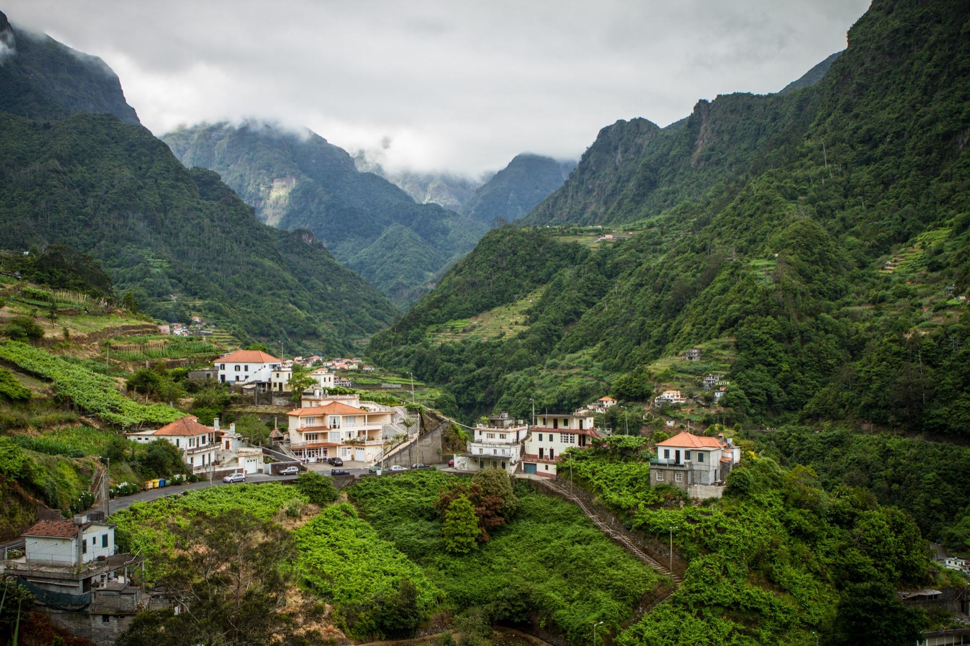 De Porto Da Cruz 224 Ponta Delgada La C 244 Te Nord De Mad 232 Re