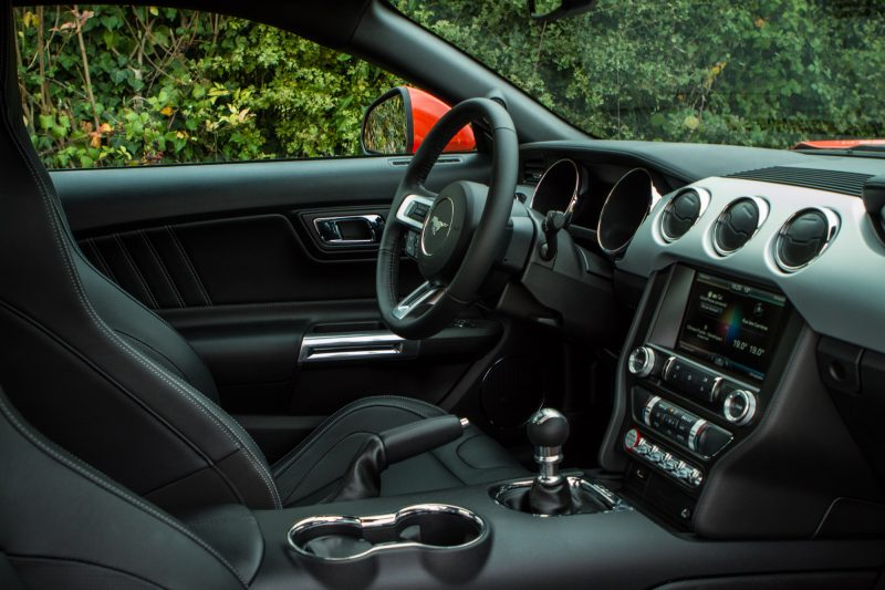 essai-ford-mustang-v8-gt-2015-interieur-53