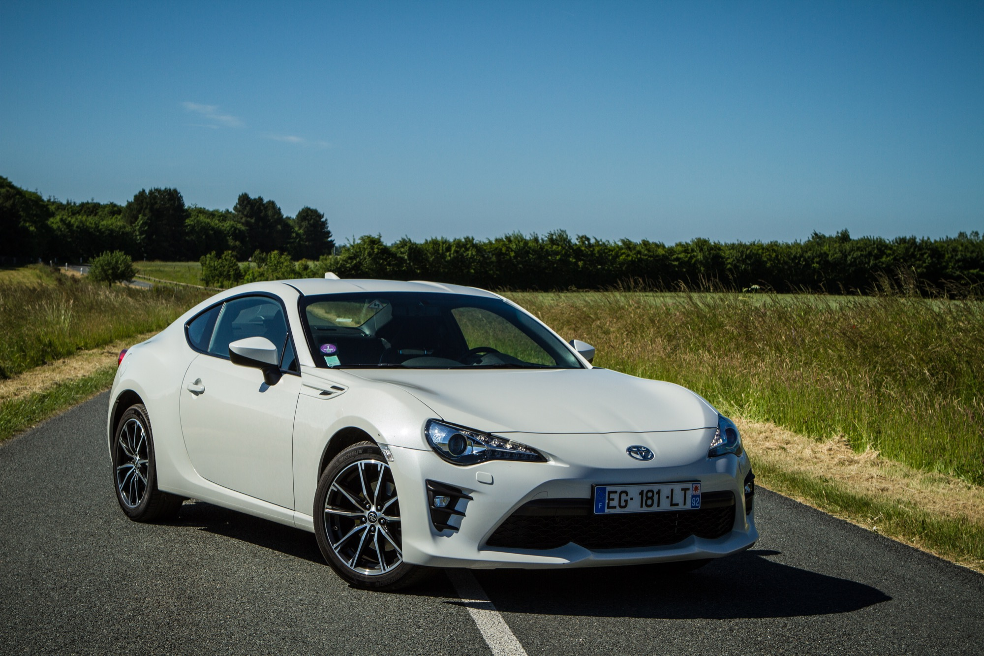 toyota gt86 le facelift du petit coup japonais est l 39 essai. Black Bedroom Furniture Sets. Home Design Ideas