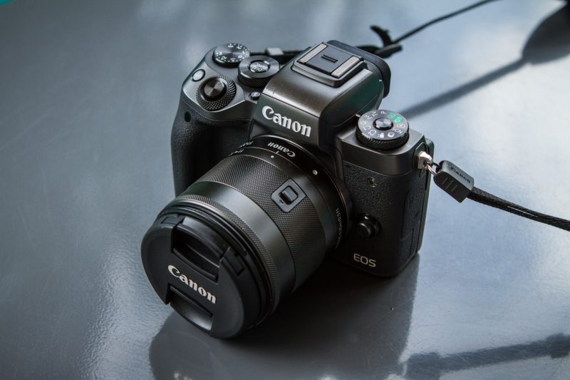 Le dernier boîtier hybride Canon EOS M5 à l'essai dans les Alpes